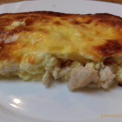 sajtos tejfölös csirkemell tálalás