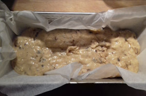 csokis diós banánkenyér sütés előtt