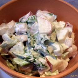 almás diós zelleres majonézes csirkemell saláta