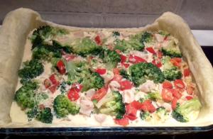 csirkés brokkolis quiche sütés előtt