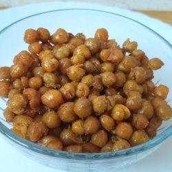 fűszeres sült csicseriborsó snack