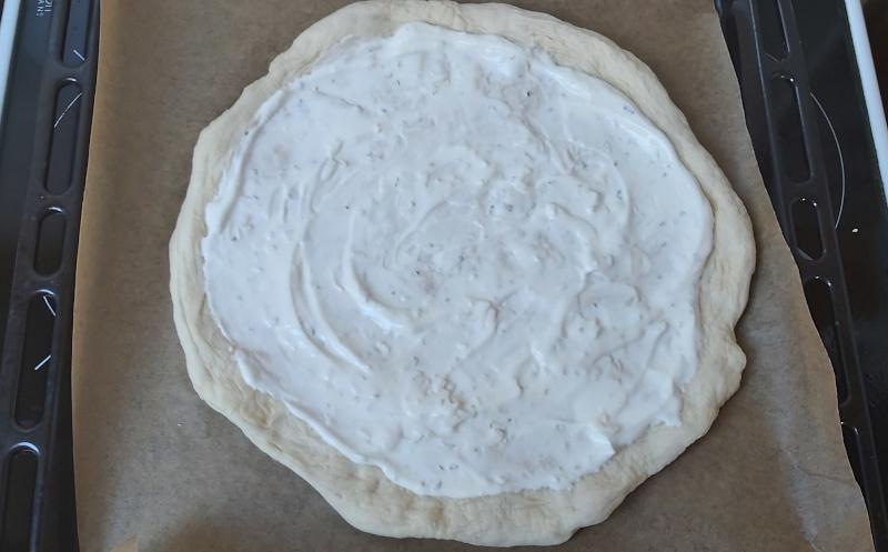 fokhagymás tejfölös pizza alap